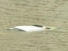 Motorist drives into Cary lake