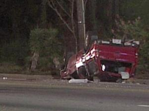 One person died in a crash on Rosehill Road near Hickory Hill Road in Fayetteville early Saturday.