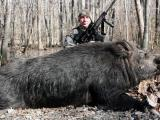 Hunter bags big pig