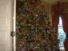 Governor's mansion decked out for the holidays