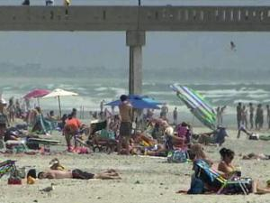 Wrightsville Beach started to draw in vacationers on the Friday of Memorial Day weekend 2010.
