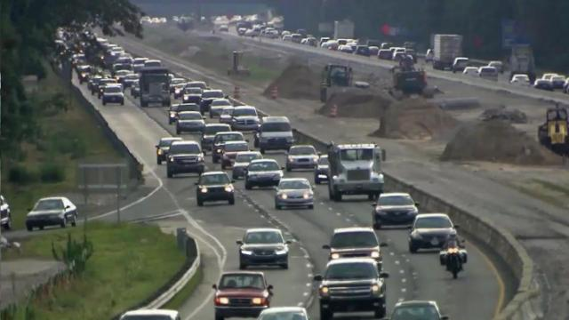 A proposal to cancel the state contract to build toll lanes on Interstate 77 near Charlotte is picking up speed in the House.