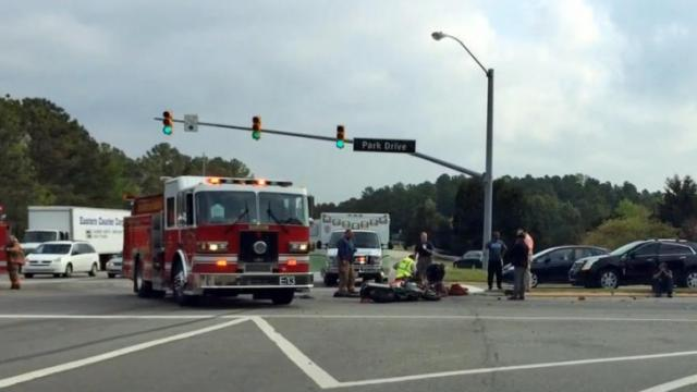 Motorcycle crashes near Park, Davis drives in Durham
