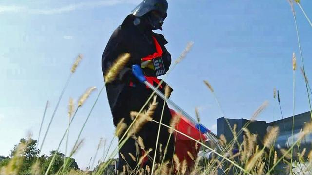 Drivers along a Virginia highway may have thought they were in a galaxy far, far away when they saw a man dressed as Darth Vader wielding a gripper and picking up litter.