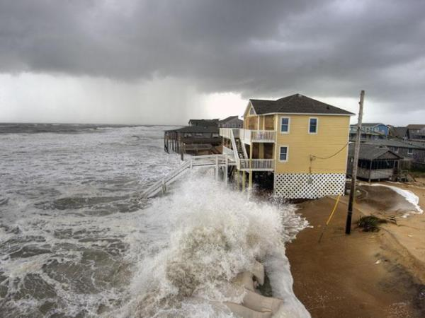American forecasters work to catch up to European model