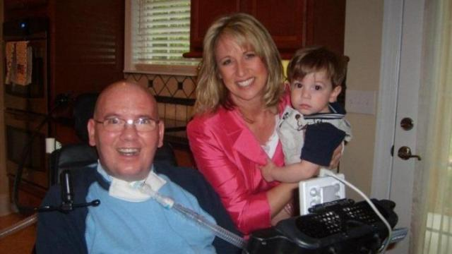 Debra Morgan visits with Dugan and Paul Smith (Photo courtesy Autumn Smith)