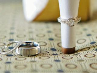 Jonathan and Heather Couture sent their rings for repair, only to learn that Kay Jewelers lost them.