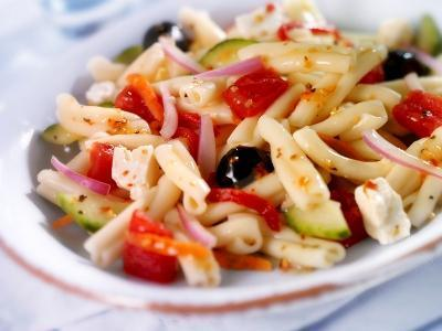 Chilled Tomato and Vegetable Pasta Salad