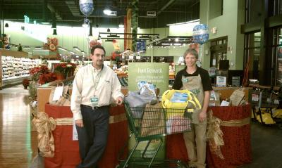 Lowes Foods Friends Feeding Friends food drive donation