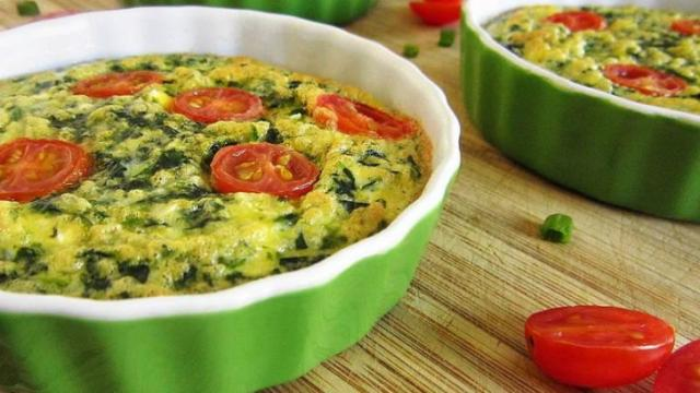 Spinach and Scallion Cream Cheese Omelet