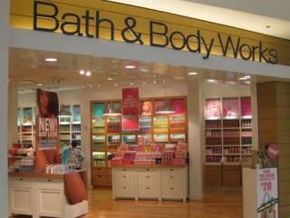 Bath & Body Works store front