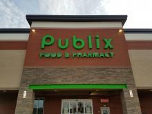 Publix store front in Apex, NC