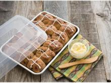 Nordic Ware Natural Aluminum Commercial Baker's Quarter Sheet with Lid (photo courtesy Amazon)