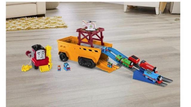 Thomas & Friends Super Cruiser 2-in-1 Set (photo courtesy Amazon)