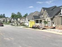 Rising foreclosure rates pinch home builders