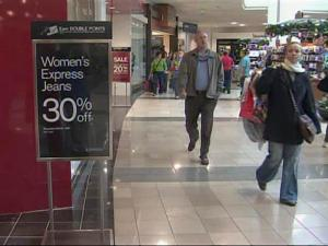 Area retailers said they're hoping for a late surge of holiday shoppers.