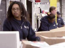 FedEx expects record day for holiday shipping