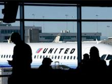 United to pay passengers $10,000 to leave flight