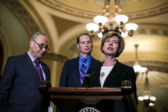 Senate Advances Bill to Loosen Banking Rules, Revealing Democratic Split