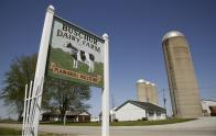 IMAGES: Low milk prices force small dairy farms to close