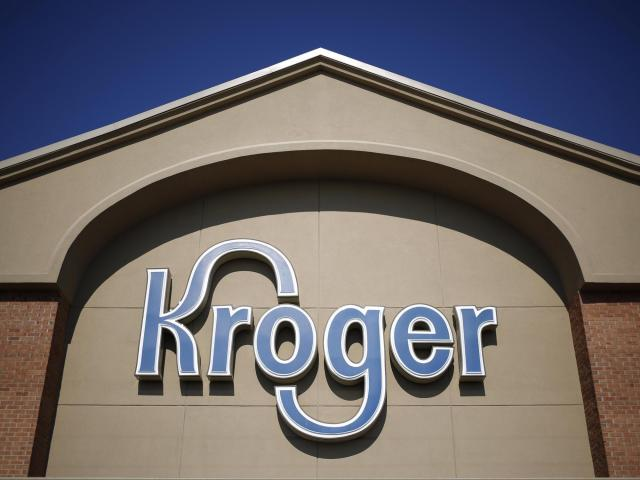 Kroger, the grocery giant that also owns supermarket chains Ralphs, Fry's and Harris Teeter, reported solid sales and earnings Thursday that topped forecasts.