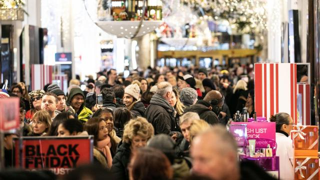 Shoppers crowd the Macy's store in Herald Square in Manhattan on Black Friday, Nov. 23, 2018. As the official start of the holiday shopping season begins, retailers and analysts say Black Friday 2018 appears to be off to a strong start. (Jeenah Moon/The New York Times)