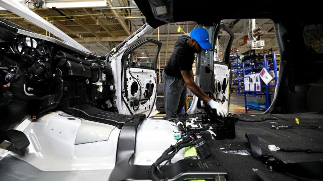 Ford workers approve labor deal