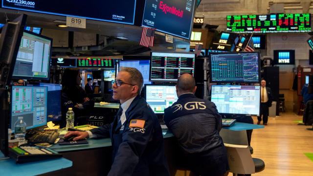 Fear grips Wall Street: Dow sinks another 800 points