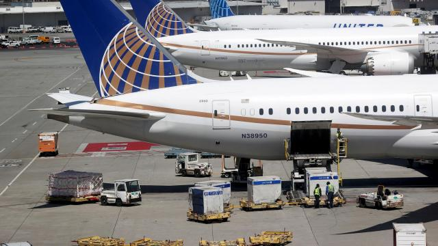 United Airlines to offer free coronavirus testing for passengers on select routes