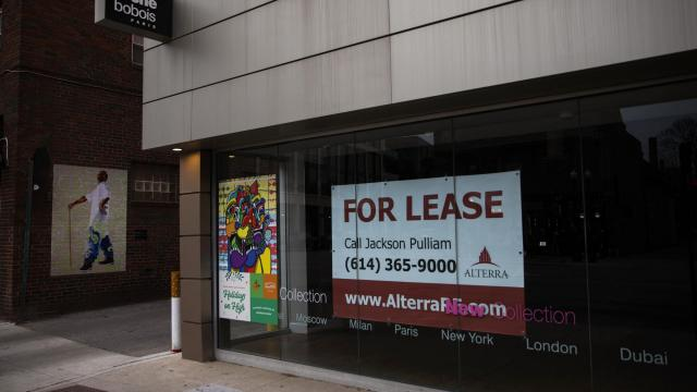 A vacant retail shop in Columbus, Ohio on Dec. 13, 2020. New unemployment claims remain far above historical levels as rising COVID-19 cases are taking a steep toll on economic activity, battering the labor market even as new vaccines offer a ray of hope for next year. (Maddie McGarvey/The New York Times)