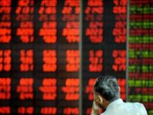Stock market plummets to dangerously low numbers