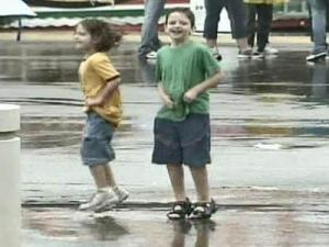 Rain Doesn't Dampen State Fairgoers' Spirits