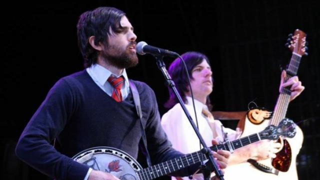 Scott and Seth Avett performing with The Avett brothers @ Walnut Creek.