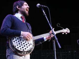 Scott Avett performing with the Avett Brothers @ Walnut Creek in Raleigh.