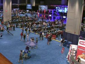 Gaming convention draws crowd