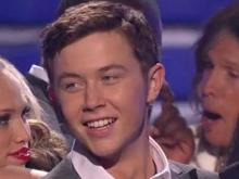 Scotty goes from bagboy to 'American Idol' champ