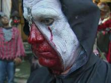 House of horrors draws lines in Oakwood
