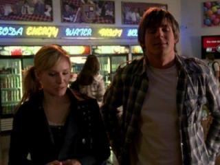 Kristen Bell and Chris Lowell in Veronica Mars (2004) (Deseret Photo)