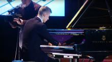 IMAGE: Have You Seen This? Teen with no hands plays incredible piano piece
