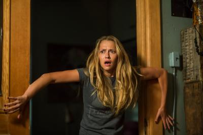 "Teresa Palmer as Rebecca in ""Lights Out."" (Deseret Photo)"