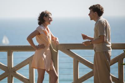 """Vonnie (Kristen Stewart) and Bobby (Jesse Eisenberg) in """"Cafe Society."""" (Deseret Photo)"""
