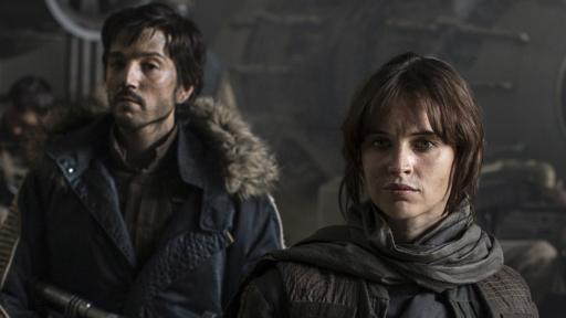 """Diego Luna and Felicity Jones star in """"Rogue One: A Star Wars Story,"""" which, despite Disney and Lucasfilm protestations, is a direct prequel to the original 1977 """"Star Wars."""" (Deseret Photo)"""
