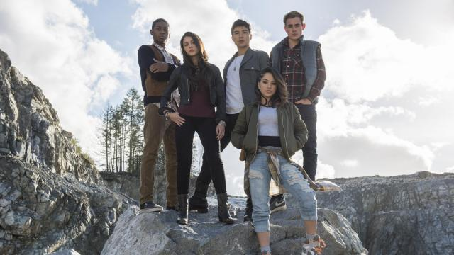 "RJ Cyler, left, Naomi Scott, Ludi Lin, Dacre Montgomery and Becky G star in ""Power Rangers."" (Deseret Photo)"
