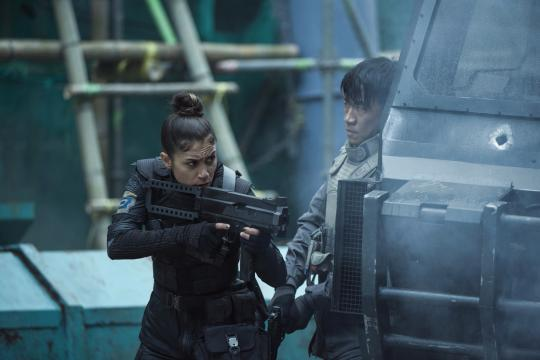 "Danusia Samal plays Ladriya and Chin Han plays Togusa in ""Ghost in the Shell."" (Deseret Photo)"