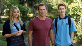 "Erik Thomson stars in the Australian family comedy-drama ""800 Words,"" here flanked by Melina Vidler and Benson Jack Anthony as his teenage children. The series' second season is now on DVD. (Deseret Photo)"