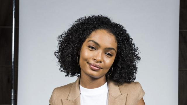 "-- PHOTO MOVED IN ADVANCE AND NOT FOR USE - ONLINE OR IN PRINT - BEFORE DEC. 31, 2017. -- The actress Yara Shahidi, a star on ABC's ""black-ish,"" in Burbank, Calif., Dec. 1, 2017. Shahidi is heading to Harvard and will star in ""grown-ish,"" a spinoff on Freeform. (Berl for The New York Times)"
