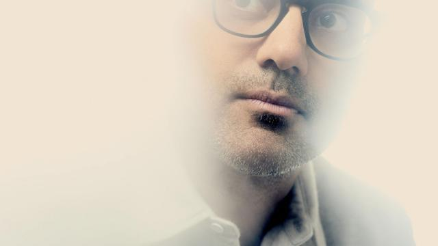 -- PHOTO MOVED IN ADVANCE AND NOT FOR USE - ONLINE OR IN PRINT - BEFORE DEC. 31, 2017. -- Ayad Akhtar, the Pulizer Prize-winning author and playwright, in New York, Aug. 7, 2017. In a world of digital dehumanization, Akhtar sees live theater as an antidote. (Vincent Tullo/The New York Times)