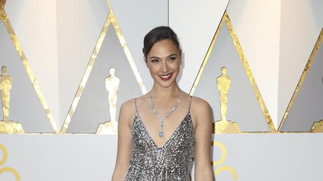 Gal Gadot on the red carpet before the 90th Academy Awards at the Dolby Theater in Los Angeles, March 4, 2018. (Josh Haner/The New York Times)
