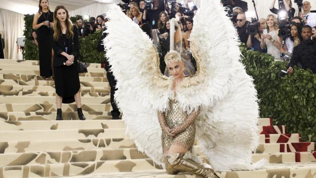 Katy Perry arrives at the Metropolitan Museum of Art's Costume Institute benefit gala at the museum in New York, May 7, 2018. On Tuesday, the years-long feud between the pop stars Katy Perry and Taylor Swift appeared to come to an end when Perry sent a wreath of actual olive branches to Swift. (Damon Winter/The New York Times)