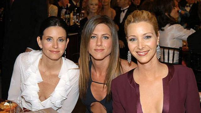 Aniston says she'd like to see her former hit TV show, 'Friends,' make a comeback.